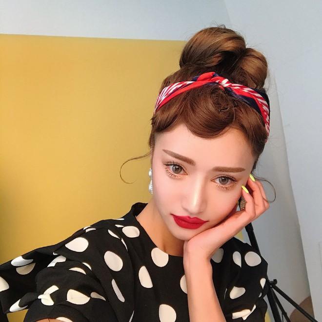 Đăng ảnh selfie quảng cáo màu son mới của 3CE, Park Sora gây giật mình vì đôi môi tô vẽ quá đà đáng sợ như Joker - Ảnh 6.