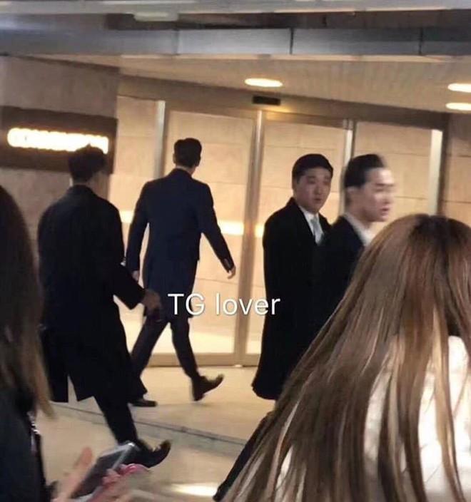 Niềm vui nhân đôi với fan Bigbang: Cuối cùng T.O.P cũng đã xuất hiện trong đám cưới Taeyang và Min Hyorin - Ảnh 2.