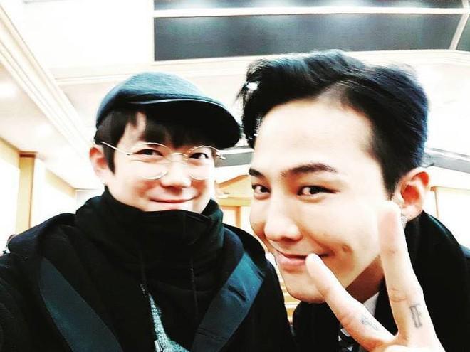Niềm vui nhân đôi với fan Bigbang: Cuối cùng T.O.P cũng đã xuất hiện trong đám cưới Taeyang và Min Hyorin - Ảnh 5.