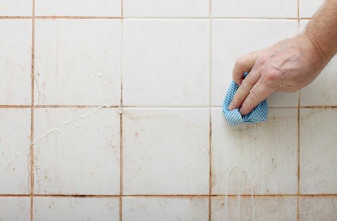 Sau 7 bước nhanh-gọn-lẹ là nhà vệ sinh nhà bạn đã sạch không tì vết - Ảnh 7.