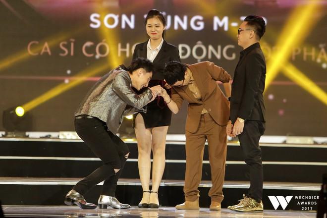 Sơn Tùng M-TP và cô trò Mỹ Tâm - Đức Phúc thắng lớn tại Wechoice Awards 2017 - Ảnh 3.