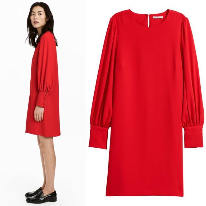 Dạo 1 vòng H&M và Zara, bạn có thể vơ được cả rổ váy đỏ có giá dưới 1 triệu mà tha hồ diện Tết này - Ảnh 8.