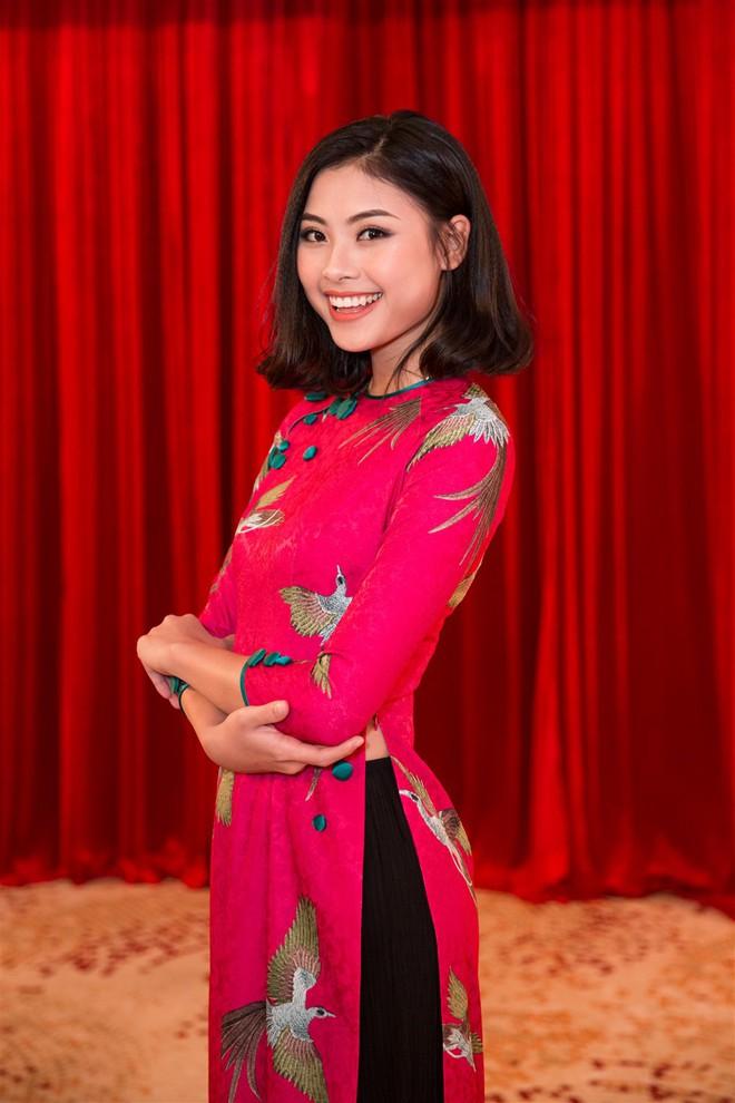 Á hậu Thùy Dung, Diễm Trang, Diệu Thùy đọ sắc, đọ giọng trên sân khấu - Ảnh 4.