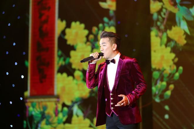 Á hậu Thùy Dung, Diễm Trang, Diệu Thùy đọ sắc, đọ giọng trên sân khấu - Ảnh 11.