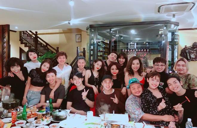 Vừa làm tiệc chúc mừng sinh nhật hoành tráng cho Trấn Thành, Hari Won lại mất ngủ đăng tải dòng tâm sự khó hiểu lúc nửa đêm - Ảnh 2.