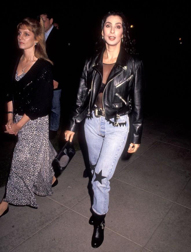 Từ thập niên 90 đến nay, thời trang đi tiệc của các cô gái sành điệu đã thay đổi thế nào? - Ảnh 4.