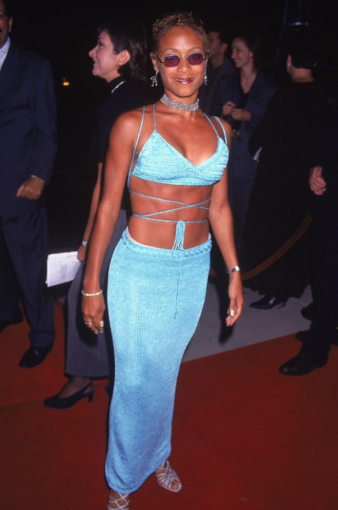 Từ thập niên 90 đến nay, thời trang đi tiệc của các cô gái sành điệu đã thay đổi thế nào? - Ảnh 8.