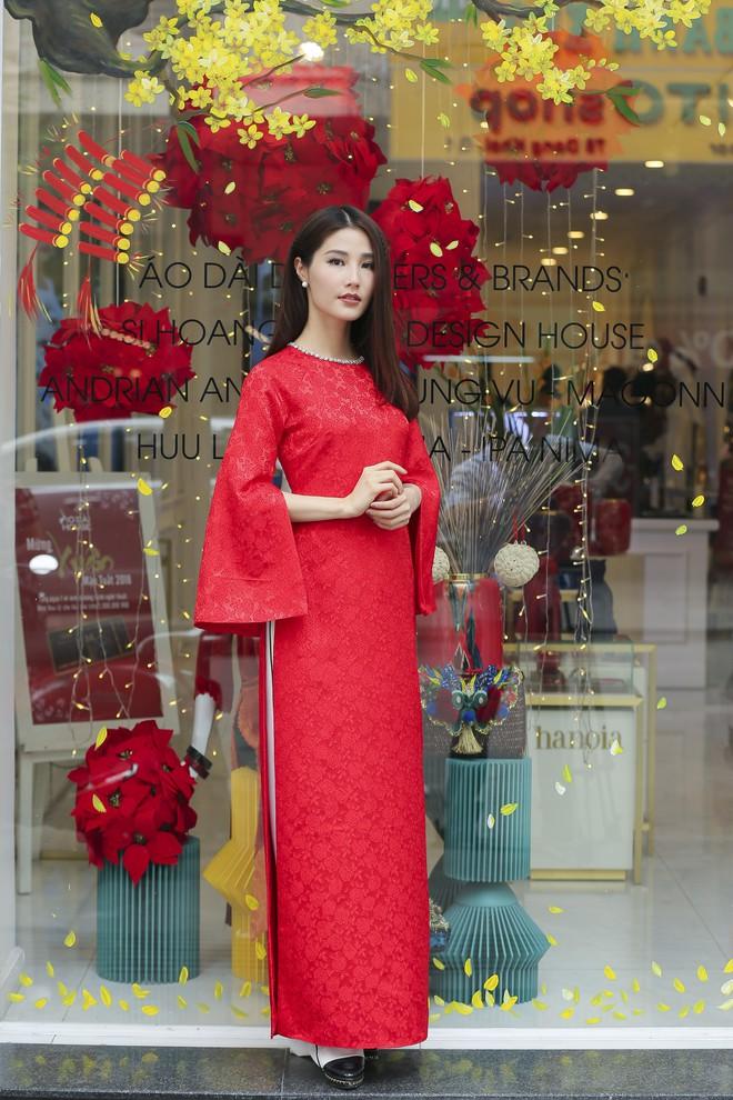 Hoa hậu Đỗ Mỹ Linh làm đại sứ và giám khảo cho cuộc thi Duyên dáng Áo dài TP.HCM 2018 - Ảnh 4.