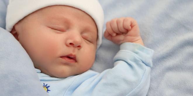 Chuyên gia giấc ngủ đưa ra chỉ dẫn giúp bé sơ sinh ngủ ngoan và liền mạch ngay từ khi lọt lòng - Ảnh 1.