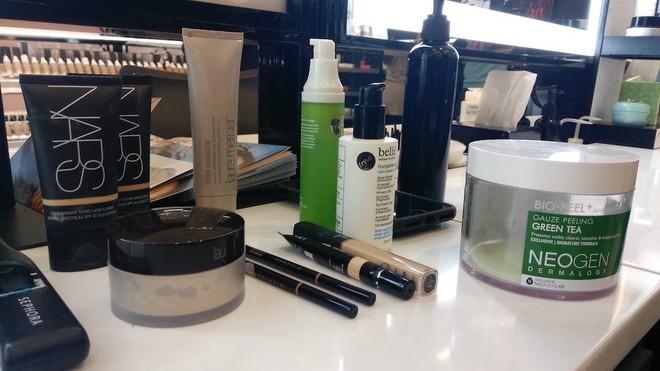Trải nghiệm dịch vụ makeup dành cho nam, chàng trai này nhận được kết quả ấn tượng như Photoshop - Ảnh 2.