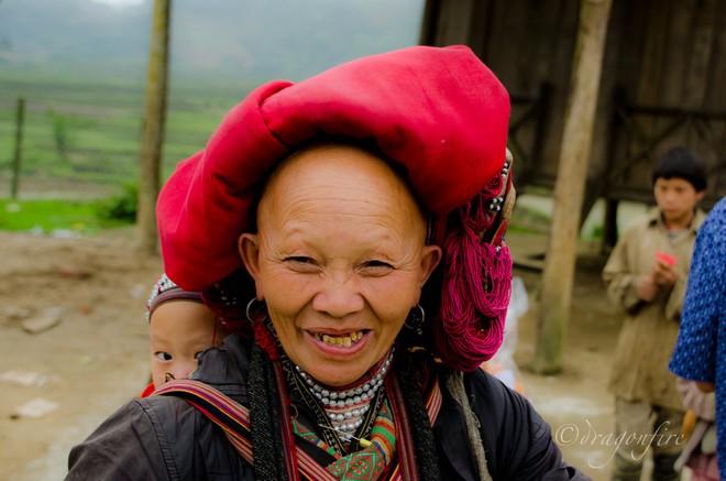 Vùng đất bí ẩn Sì Lờ Lầu, nơi phụ nữ nhổ gần trụi tóc và chỉ gội đầu mỗi năm một lần vào đúng dịp Tết - Ảnh 1.