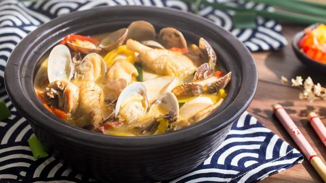 Thêm một cách nấu canh gà nóng hổi cực lạ cho bữa tối mùa đông thêm đầm ấm - Ảnh 4.