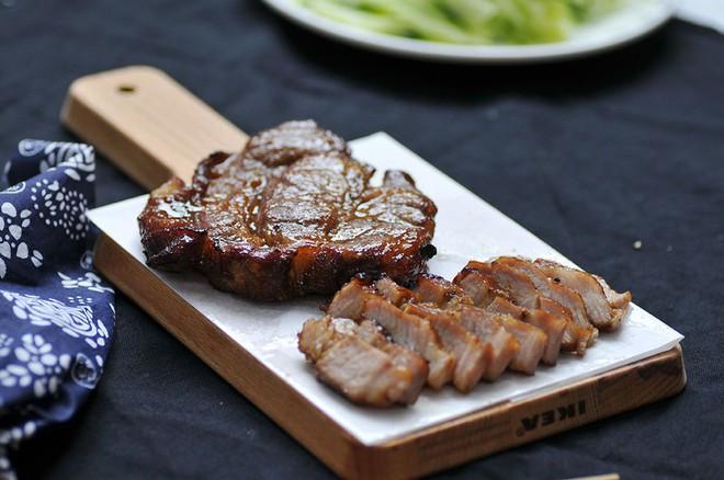 Ghi ngay vào sổ cách làm món thịt nướng siêu dễ mà ăn cực mềm ngon - Ảnh 5.
