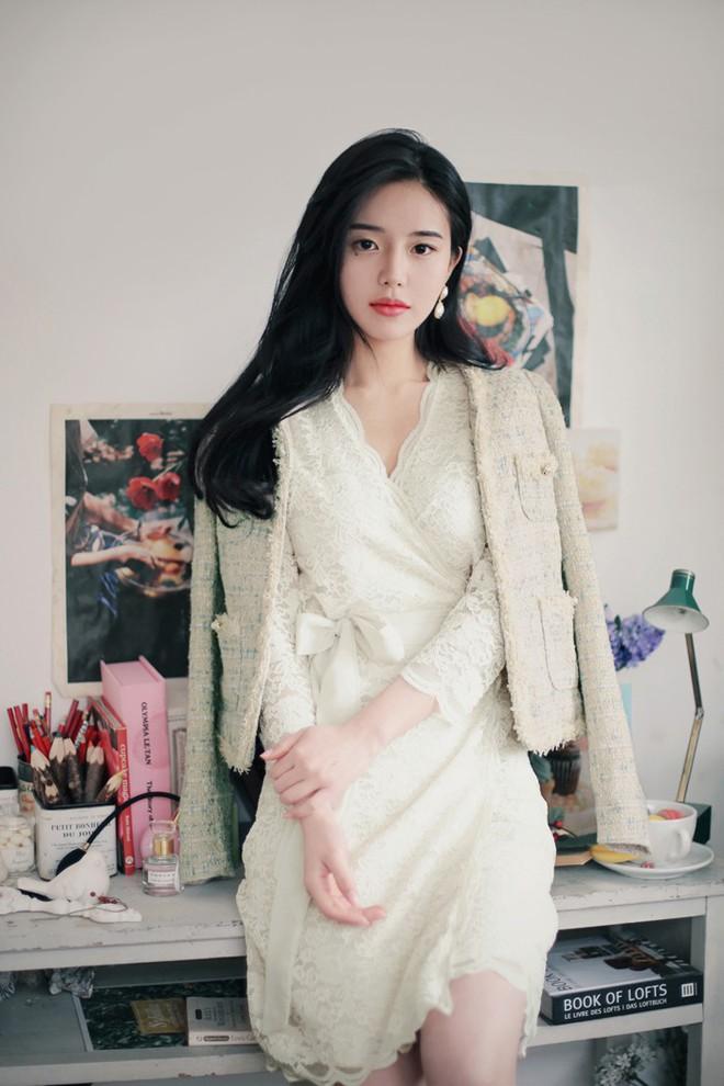 Chưa đầy 1 tuần nữa đã đến Tết, hội mê ăn diện còn chờ gì mà không sắm ngay 4 mẫu trang phục này - Ảnh 13.