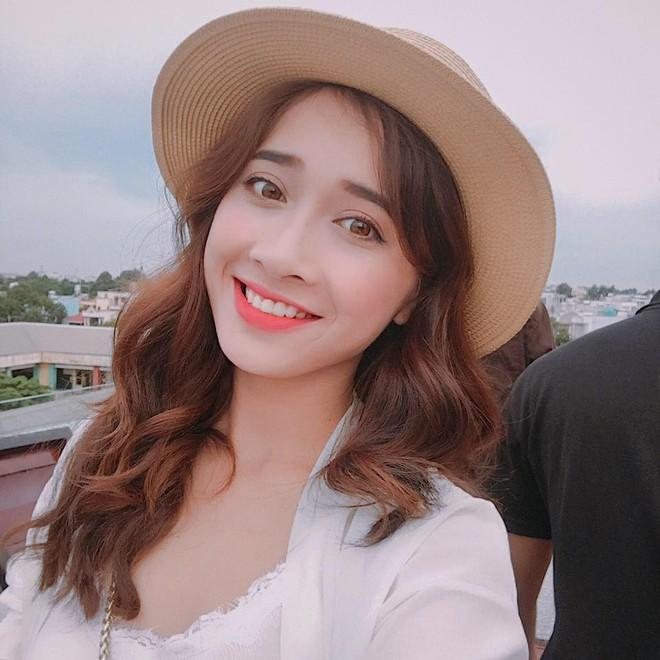 Không chỉ xinh đẹp, cô em gái cực giống Nhã Phương còn có phong cách thời trang rất thu hút - Ảnh 3.