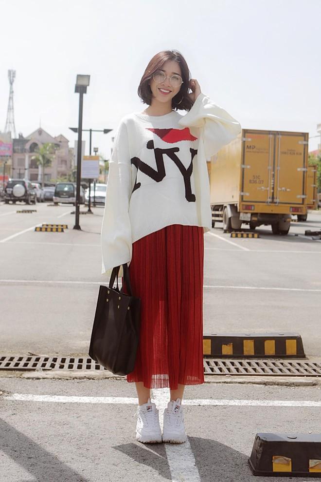 Không chỉ xinh đẹp, cô em gái cực giống Nhã Phương còn có phong cách thời trang rất thu hút - Ảnh 9.