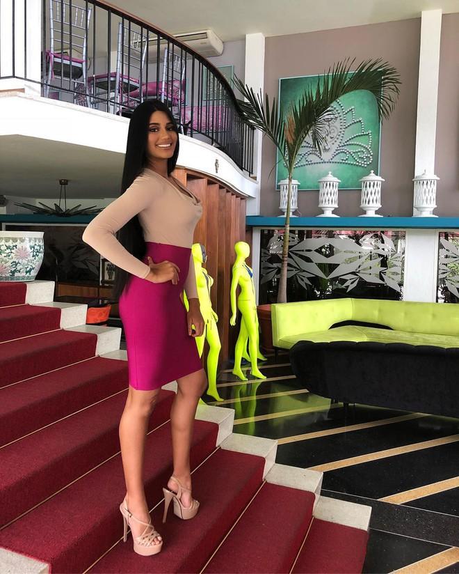 Đối thủ trực tiếp của HHen Niê tại HHHV Thế Giới 2018: Sthefany Gutiérrez - tân HHHV Venezuela - Ảnh 18.