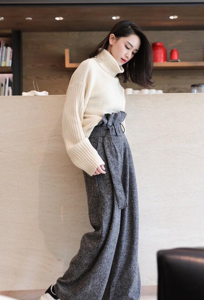 Trời lạnh thế này, thiếu gì thì thiếu chứ không thể thiếu áo len cổ lọ - Ảnh 11.