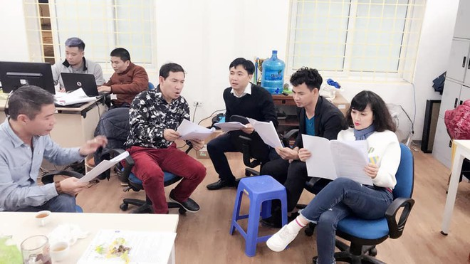 Xuân Bắc, Vân Dung bị đạo diễn Đỗ Thanh Hải mắng trong hậu trường Táo Quân  - Ảnh 3.