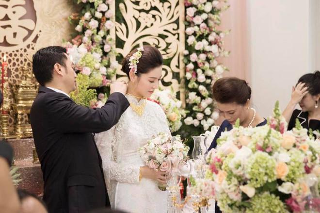 Hành trình hạnh phúc của mỹ nữ Vũng Tàu Ngọc Duyên: Từ con gái người bán vé số đến vợ đại gia Hà thành - Ảnh 16.