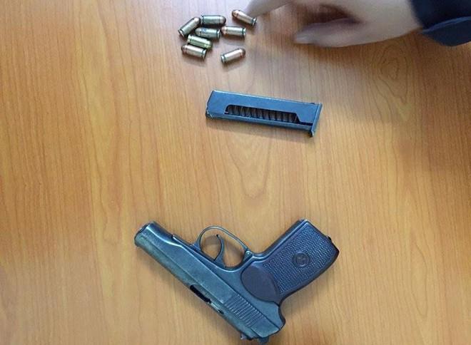 Hà Nội: Cảnh sát chạy bộ hơn 1km đuổi xế hộp bắt giữ nam thanh niên mang theo súng - ảnh 2