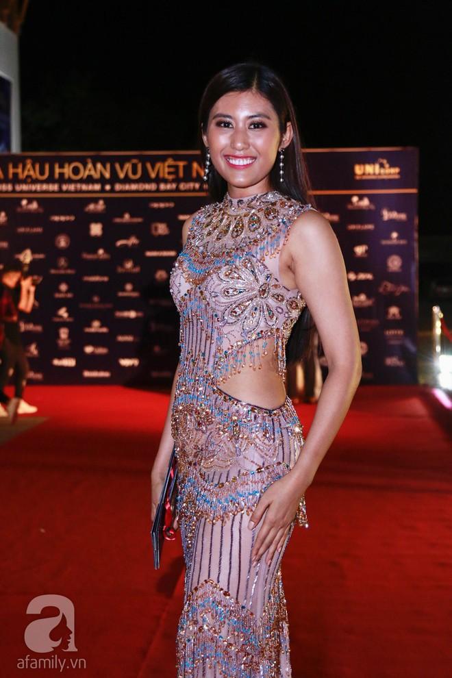 Hoa hậu Hoàn vũ 2008 Dayana Mendoza khoe vẻ đẹp tuyệt sắc, Mai Phương Thúy lộng lẫy như công chúa trên thảm đỏ chung kết Hoa hậu Hoàn vũ Việt Nam - Ảnh 16.