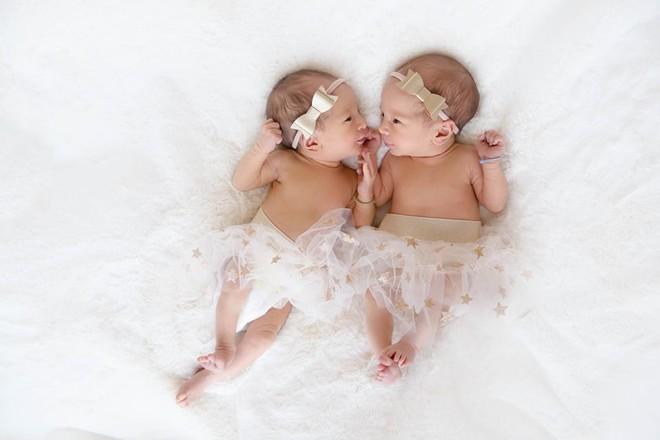 Vợ chồng Nick Vujicic nay đã có 4 con, hạnh phúc khoe hai con gái song sinh 4 tuần tuổi đáng yêu hết nấc - Ảnh 6.