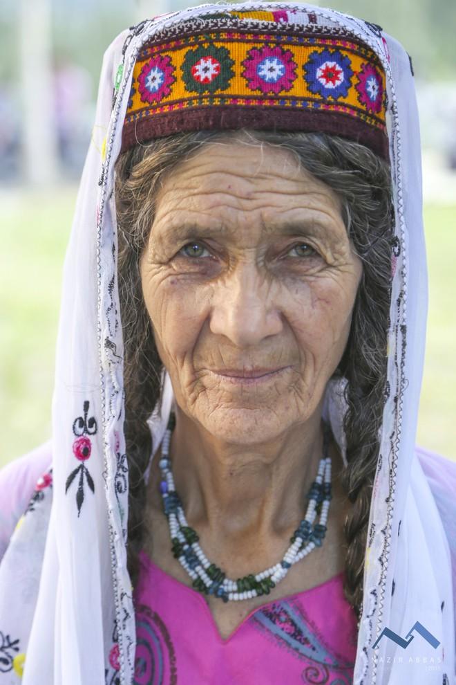 Vùng đất lạ kỳ nơi phụ nữ 60 tuổi vẫn có thể sinh con, 900 năm qua không ai mắc bệnh ung thư - Ảnh 21.