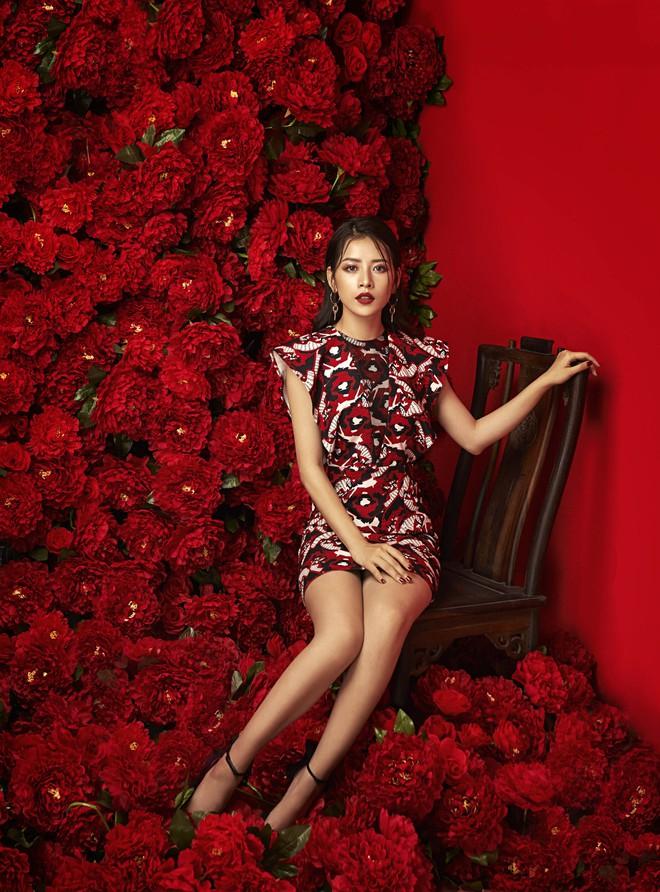Chi Pu đẹp rực rỡ trong bộ ảnh chào 2018, khẳng định sẽ tăng tốc làm diễn viên - ca sĩ - Ảnh 6.