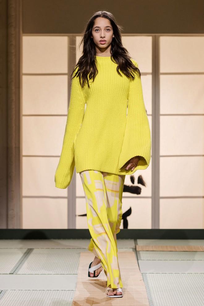 Châu Bùi và Kelbin Lei cùng dàn fashionista đình đám dự show H&M tại Tuần lễ thời trang Paris - Ảnh 12.