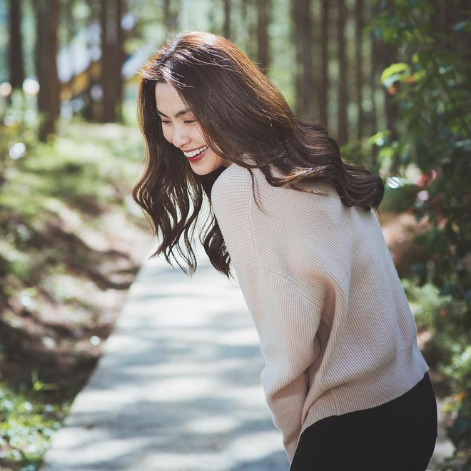 Không chỉ khéo mặc đồ, mà Tăng Thanh Hà còn khéo cả việc chọn kiểu tóc hợp với trang phục - Ảnh 15.