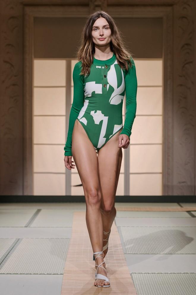 Châu Bùi và Kelbin Lei cùng dàn fashionista đình đám dự show H&M tại Tuần lễ thời trang Paris - Ảnh 14.