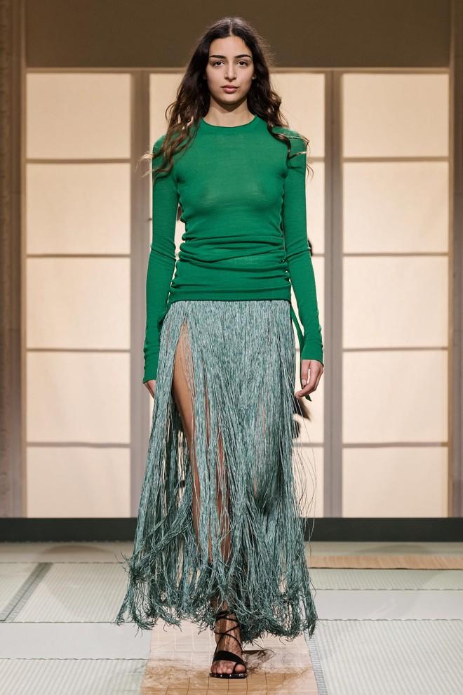 Châu Bùi và Kelbin Lei cùng dàn fashionista đình đám dự show H&M tại Tuần lễ thời trang Paris - Ảnh 15.