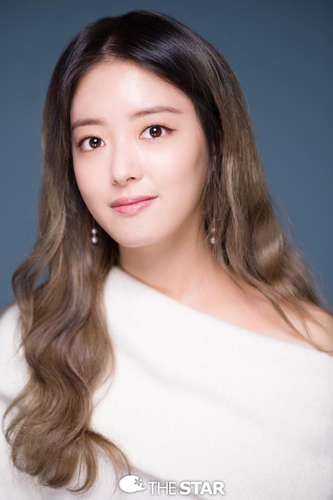"""Lee Se Young: Từ sao nhí tiềm năng một thời suýt bị quên lãng đến nàng """"cương thi quyến rũ nhất lịch sử điện ảnh xứ kim chi - Ảnh 6."""