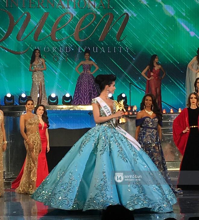 Hoa hậu chuyển giới 2018: Đại diện Venezuela vừa thắng giải đầm dạ hội đẹp nhất đã vướng nghi án nhái đầm Lọ Lem trứ danh của Hoa hậu thế giới - Ảnh 1.