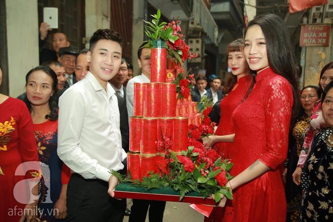 Khắc Việt cùng dàn trai đẹp showbiz mang lễ đến ăn hỏi bạn gái hotgirl - Ảnh 11.
