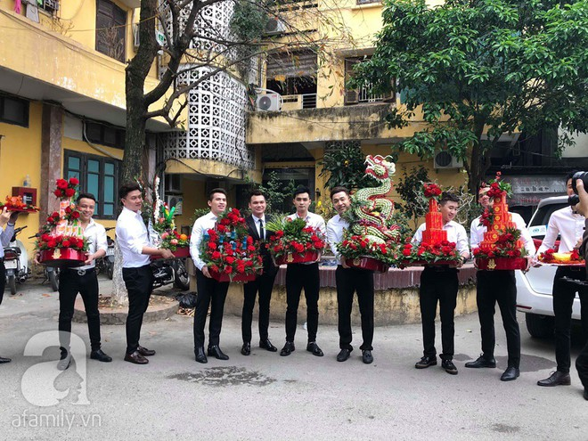 Khắc Việt cùng dàn trai đẹp showbiz mang lễ đến ăn hỏi bạn gái hotgirl - Ảnh 2.