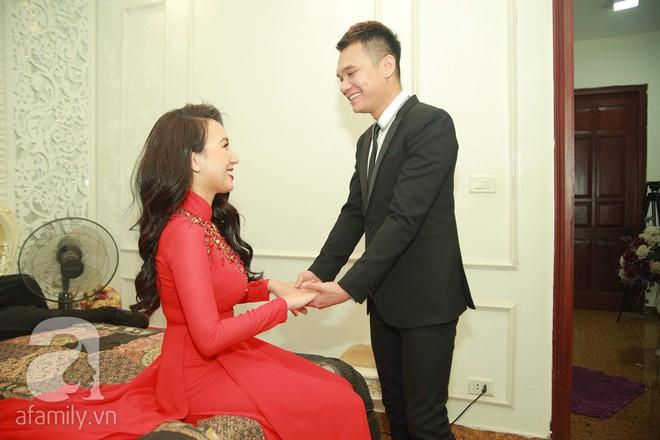 Khắc Việt cùng dàn trai đẹp showbiz mang lễ đến ăn hỏi bạn gái hotgirl - Ảnh 22.