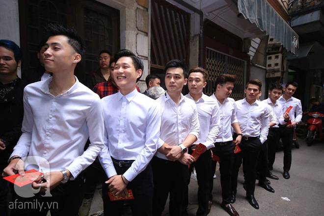Khắc Việt cùng dàn trai đẹp showbiz mang lễ đến ăn hỏi bạn gái hotgirl - Ảnh 15.