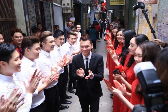 Khắc Việt cùng dàn trai đẹp showbiz mang lễ đến ăn hỏi bạn gái hotgirl - Ảnh 14.