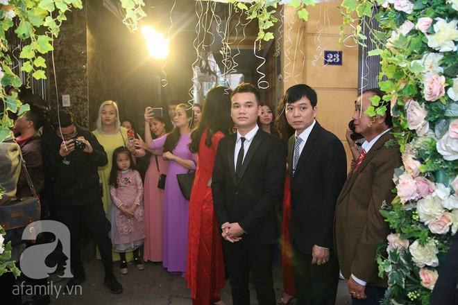 Khắc Việt cùng dàn trai đẹp showbiz mang lễ đến ăn hỏi bạn gái hotgirl - Ảnh 6.