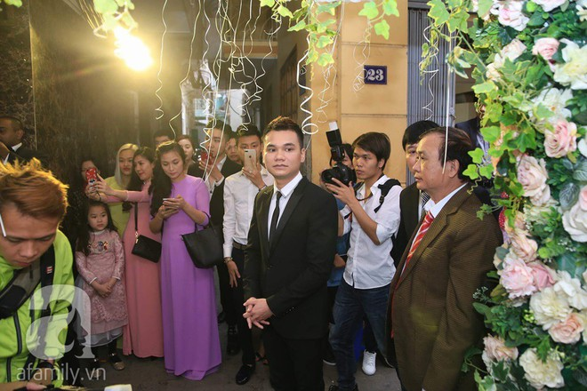 Khắc Việt cùng dàn trai đẹp showbiz mang lễ đến ăn hỏi bạn gái hotgirl - Ảnh 7.