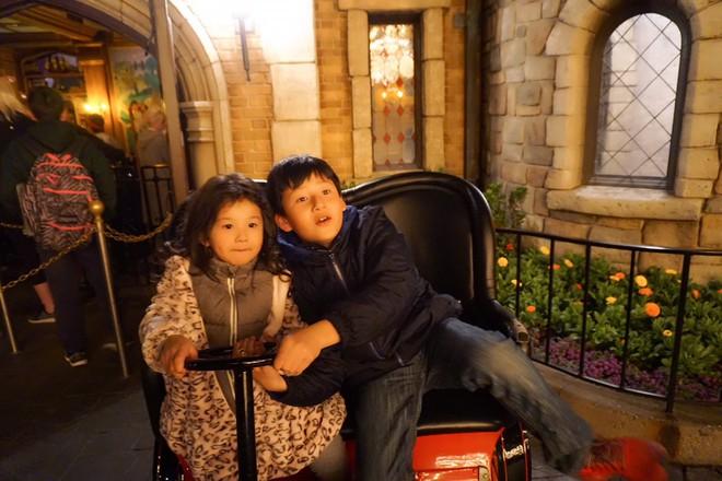 Con trai Jennifer Phạm quấn quýt bên cha dượng Đức Hải trong chuyến du lịch gia đình - Ảnh 7.