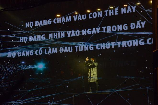 Lê Minh Sơn bật khóc, Đức Trí rưng rưng vì ca khúc nói về nạn ấu dâm ở Sing my song  - Ảnh 3.