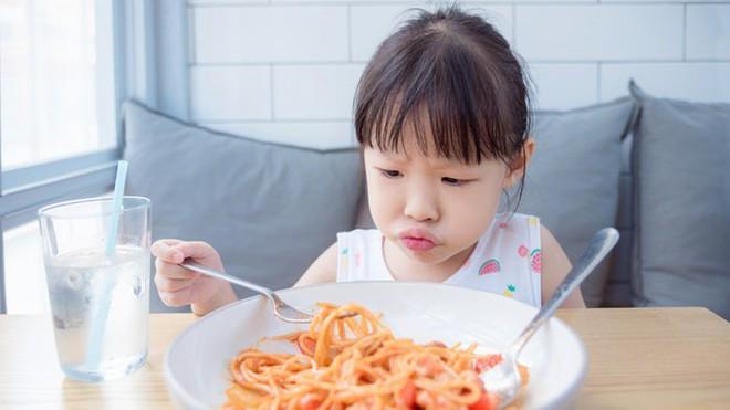Những dấu hiệu cho thấy con bạn đang bị thiếu hụt chất dinh dưỡng - Ảnh 1.