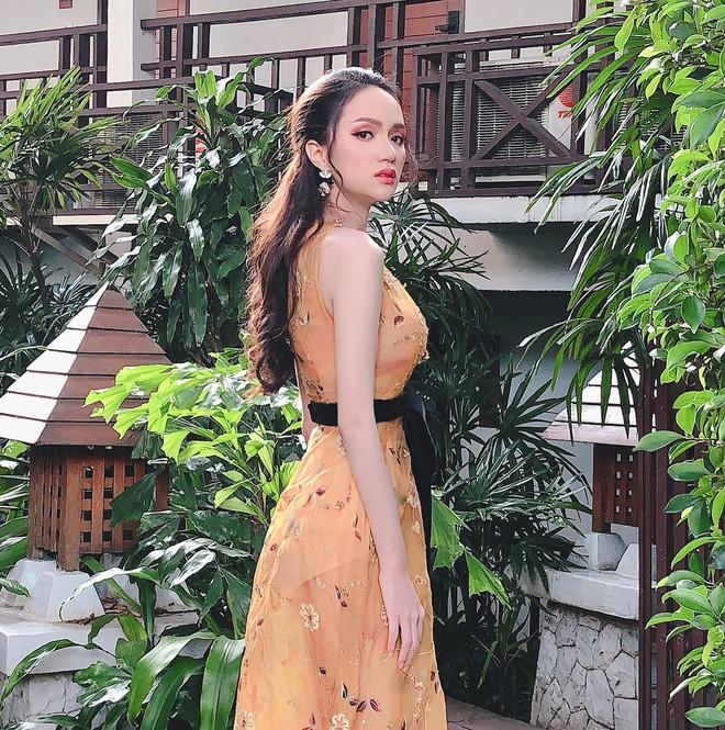 Một chiếc váy hai số phận, không tin bạn cứ nhìn hai người đẹp tên Hương Giang này diện - Ảnh 4.