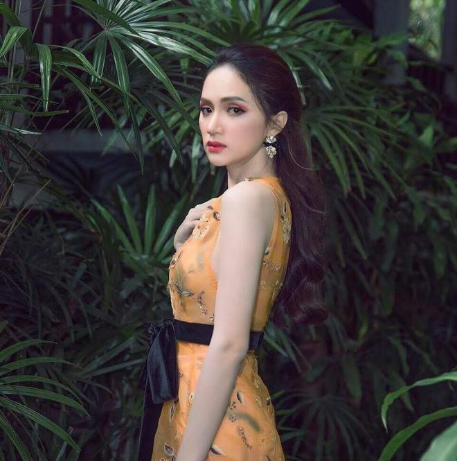 Một chiếc váy hai số phận, không tin bạn cứ nhìn hai người đẹp tên Hương Giang này diện - Ảnh 3.