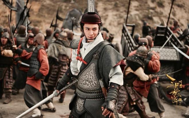 Nhân sinh bị yêu cầu dừng phát sóng, nam chính Hàn Đông Quân cực bảnh bao trong phim mới - Ảnh 4.