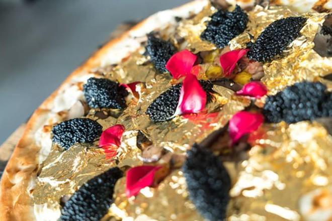 Muốn khám phá vị vàng thế nào, 7 món ăn dát vàng này chính là thứ nên thử, Việt Nam cũng có 1 món - Ảnh 3.