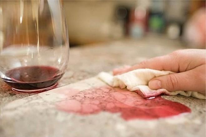 Nếu cảm thấy nhà dùng tốn giấy lau quá, hãy thử cuộn giấy cực bền, lau bẩn lại giặt sạch được này - Ảnh 4.